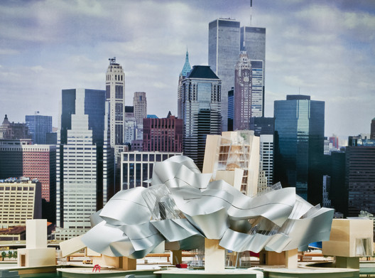 Frank Gehry Guggenheim Museum 2000. Image Courtesy of Metropolis Books