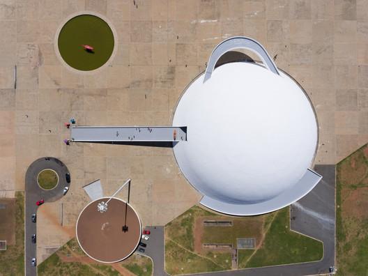 Monumental Scale. Image © Joana França