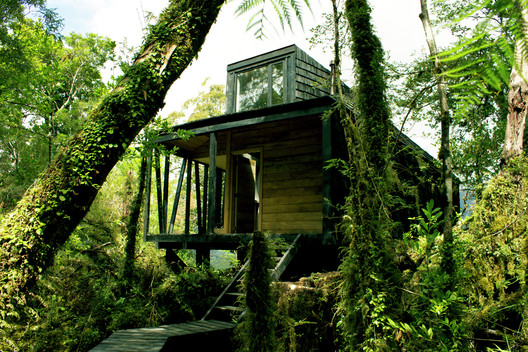 House in The Patagonia Fjords / Armando Montero + Samuel Bravo. Image © Samuel Bravo