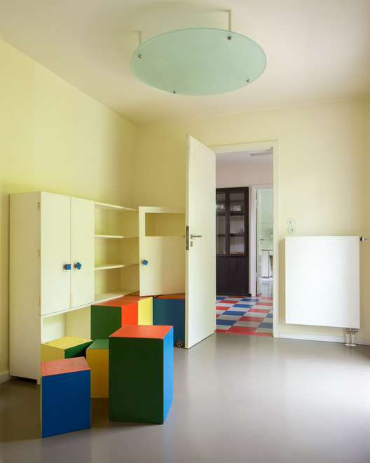 A direct line of sight from the children's room (in the foreground) to the kitchen allowed for a mother to keep watch over her children without the aid of a servant. ImageCourtesy of Freundeskreis der Bauhaus-Universität Weimar e. V.