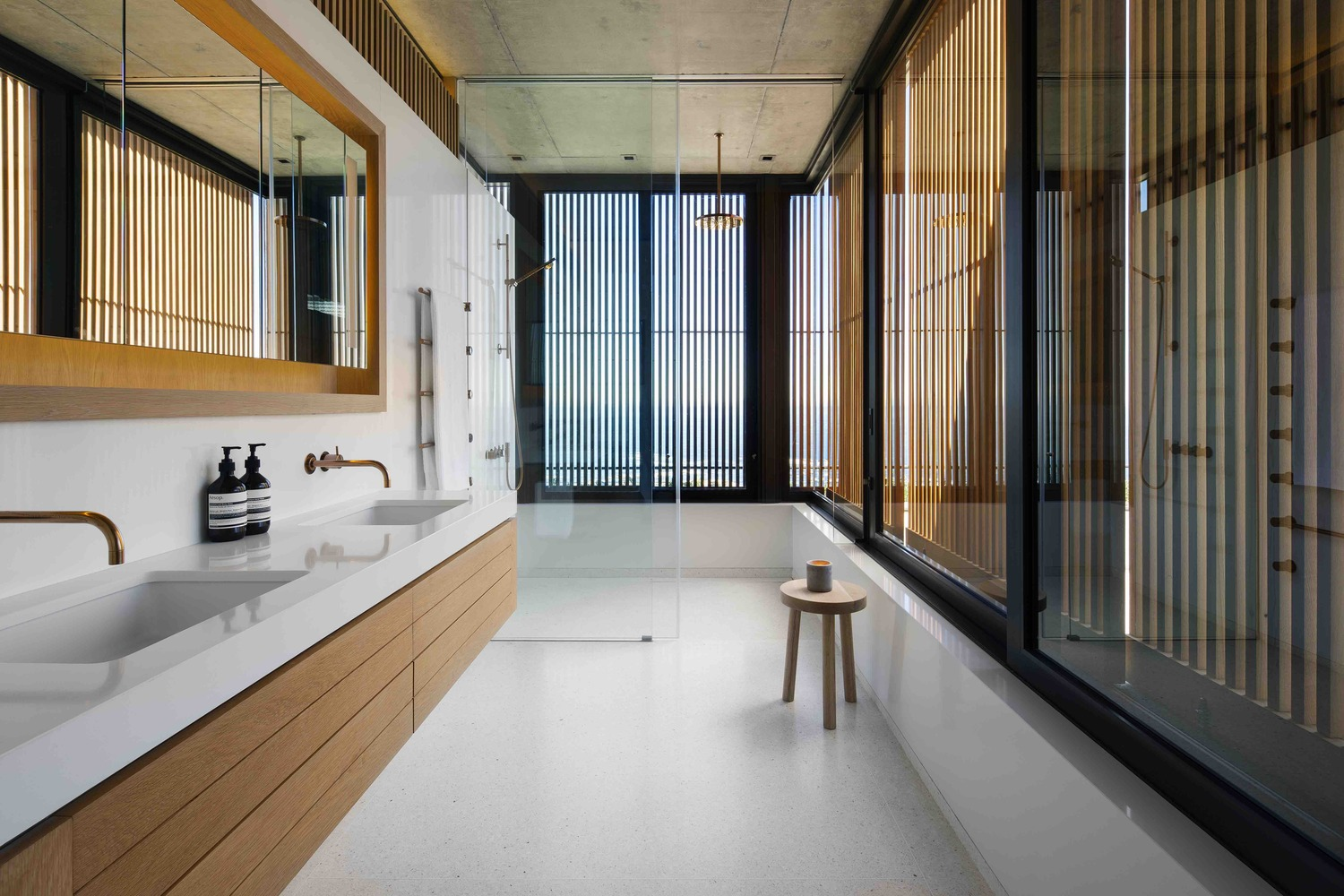 Gallery of Clifton House   Malan Vorster Architecture Interior     Clifton House      Adam Letch