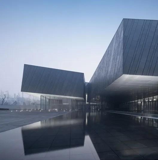 Building entrance. Image © Yao li