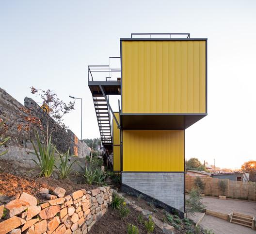 CA_AMAR_A_P_214 Yellow House / Aguilo & Pedraza Arquitectos Architecture