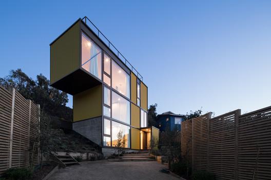 CA_AMAR_A_P_247 Yellow House / Aguilo & Pedraza Arquitectos Architecture