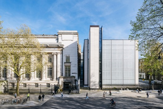 The British Museum World Conservation and Exhibitions Centre / Rogers Stirk Harbour + Partners © Joas Souza