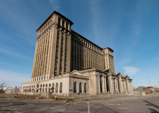 © <a href='https://commons.wikimedia.org/wiki/File:Michigan_Central_Train_Station_Exterior_2009.jpg'>Wikimedia user Albert duce</a> licensed under <a href='https://creativecommons.org/licenses/by-sa/3.0/deed.en'>CC BY-SA 3.0</a>