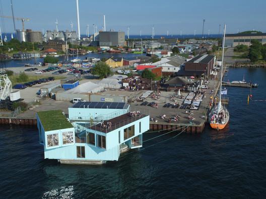 Housing: BIG - Bjarke Ingels Group / Urban Rigger. Image Courtesy of WAF