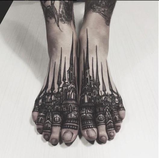 Tattoodo. <a href='https://br.pinterest.com/pin/313211349063995590/'>Via Pinterest</a>