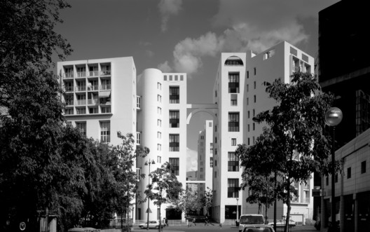 Les Hautes Formes Housing, Paris, 1979. Image © Nicolas Borel