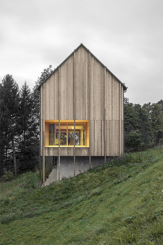 Haus am Stürcherwald / Bernardo Bader Architekten. Image © Gustav Willet Guworld