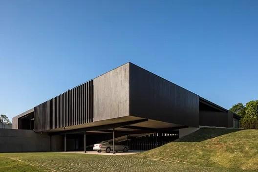 Maria & José House / Sergio Sampaio Arquitetura. Image © Leonardo Finotti