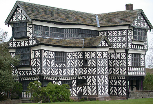 "Little Moreton Hall, England. © <a href=""https://en.wikipedia.org/wiki/Little_Moreton_Hall#/media/File:LittleMoretonHall.jpg"">Wikimedia Commons user Christine-Ann Martin</a> licensed under <a href=""https://creativecommons.org/licenses/by-sa/3.0/"">CC BY 3.0</a>. Image Courtesy of Christine-Ann Martin"
