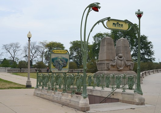 "Replica Métro Station entrance in Chicago, USA © <a href=""https://commons.wikimedia.org/wiki/File:2012-07-21_7000x4912_chicago_art_nouveau_metra.jpg"">Wikimedia Commons user J. Crocker</a> (2012) licensed under Public Domain. Image Courtesy of J. Crocker"