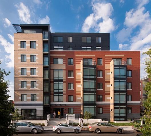 Residential (Multi-family): The Aston – Washington, D.C.. Image © Maxwell Mackenzie