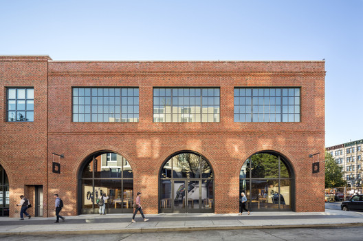 Commercial: Apple Store, Williamsburg – Brooklyn, New York. Image © Peter Aaron
