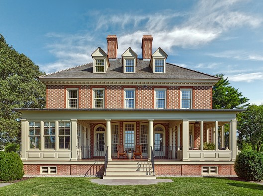 Residential (Single-family): Kinsley – Oxford, Maryland. Image © Don Pearse Photographers Inc.