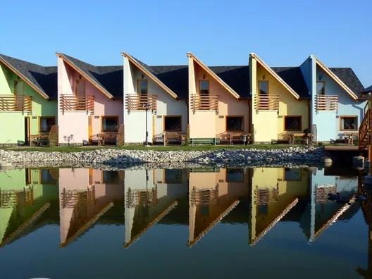 Reykjavík, Iceland. Image <a href='https://imgur.com/CbnCuWT'>via Reddit user ladydilara</a>