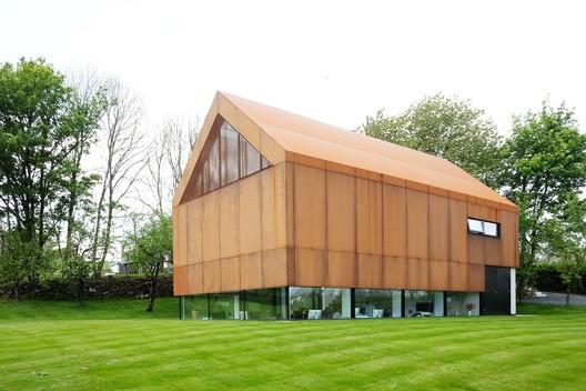 Fallahogey Studio, Kilrea, Northern Ireland / McGarry-Moon Architects. Image © Adam Currie