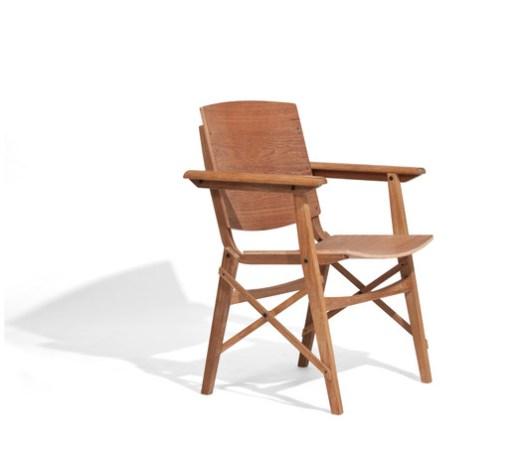 Cadeira Brisa com braço_Carlos Motta. Image Cortesia de Dpot