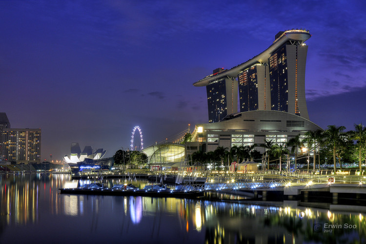 Singapore © <a href='https://www.flickr.com/photos/erwin_soo/8037900419/in/photolist-qkUY5N-8KTqHu-aq6zmR-Y9Wcvb-5wzBqZ-oG2mvS-drki8F-8YvaB4-dfhkKZ-9UPTpX-9UT1q7-2CshyT-ZEALaN-n63VCy-ef8pUw-9DSQyn-bK86xV-9XKZnY-dXRYEo-8YwLRV-6Xn12h-rkb7a6-j5SU1P-95Tpuu-Roy8Cb-gLdRip-fCZq8s-8KoH3V-SMmpG5-rgPwKv-8bevy2-k8ZgB6-c2XnG5-8YxYG9-9cuiAT-m6vV9n-e5yH3c-d4Seph-oQsFZA-K2Wayx-dtziC9-5ZESvu-rN2UEW-czmkas-anxD5c-X1JhML-bUKskL-pPJQ1R-pAGTPj-pCHBwG'> Erwin Soo </a> licensed under <a href='https://creativecommons.org/licenses/by-nc/2.0/'> CC BY-NC 2.0</a>