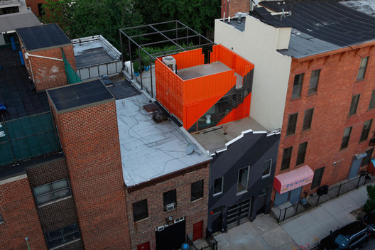 Irving Place Carriage House, Brooklyn, New York, USA, 2014. Image © Danny Bright