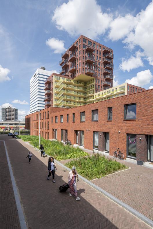 De_Verkenner_Mei_OssipVanDuivenbode_12 De Verkenner Tower / Mei architects and planners Architecture