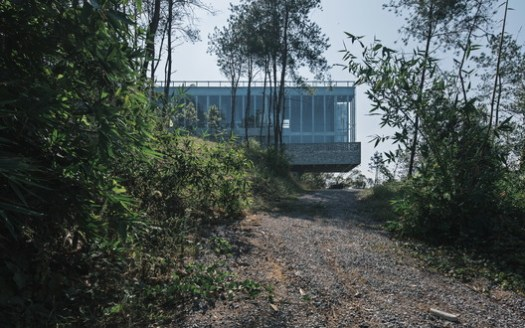 Path in the Woods. Image © Zhang Chao Studio