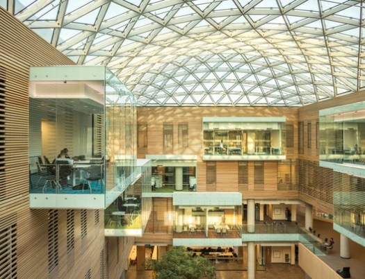 Lazaridis Hall (Waterloo, Ontario) / Diamond Schmitt Architects. Image Courtesy of Wood Design & Building Awards