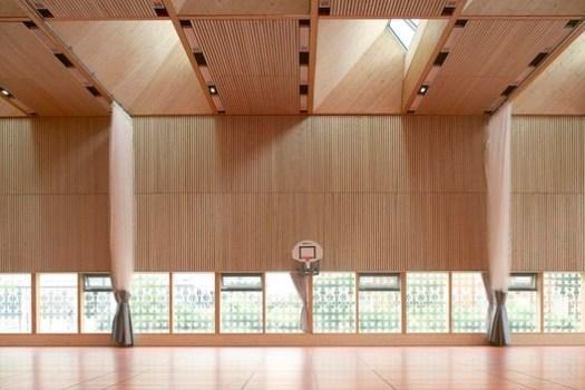 Multi-functional Sports Hall Alice Milliat (Lyon, France) / Dietrich | Untertrifaller Architekten and Tekhnê Architectes. Image Courtesy of Wood Design & Building Awards