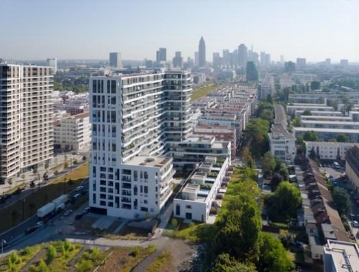 SHORTLISTED: AXIS Residential Tower, Frankfurt / Meixner Schlüter Wendt Architekten . Image © Christoph Kraneburg
