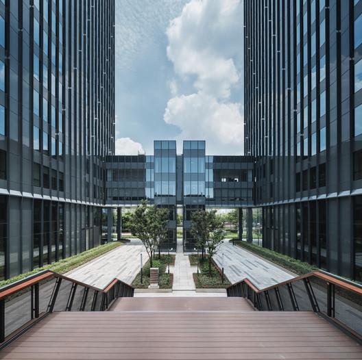 DSC01254%E5%89%AF%E6%9C%AC The New Bund World Trade Center - Phase 1 / Benoy Architecture