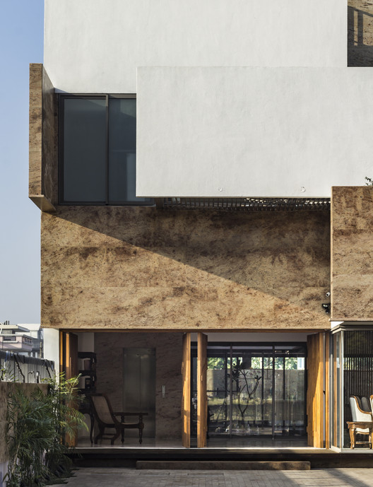 7. Residence 414 / Charged Voids Architecture