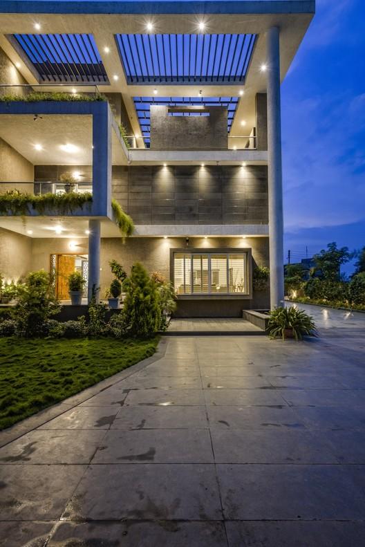 _DSC2008 Hambarde Residence / 4th Axis Design Studio Architecture