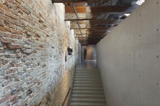 04_Museum_of_Punta_della_Dogana_Tadao_Ando_%C2%A9Luca_Girardini Tadao Ando's Punta Della Dogana Museum Through the Lens of Luca Girardini Architecture