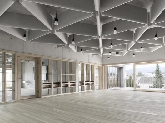 Schule_Schendlingen_Bregenz_10_%C2%A9_Foto_Adolf_Bereuter Schendlingen School / studio bär + Bernd Riegger + Querformat Architecture