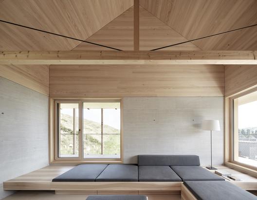IMA_HOELLER_03_Adolf_Bereuter Höller House / Innauer-Matt Architekten Architecture