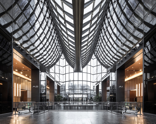 7 Chaoyang Park Plaza - Office Public Area Interiors / Supercloud Studio + MADA s.p.a.m. Architecture