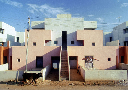 Life Insurance Corporation Housing. Image © VSF. Courtesy of the Pritzker Architecture Prize