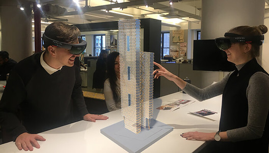 5-architecture-innovations-mixed-reality 5 Tech Innovations to Help Manage Project Data and Create New Ways of Designing Architecture
