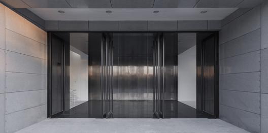 003%E5%85%A5%E5%8F%A33 Renovation of the Multi-Function Hall in Central Academy of Fine Arts / Architecture School of CAFA Architecture