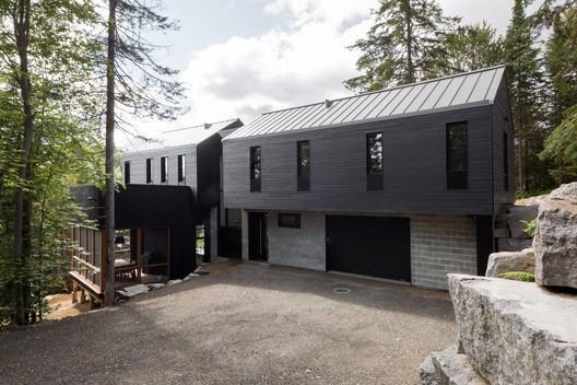 42040-main_1678-3_42040_sc_v2com De La Canardière Residence / BOOM TOWN Architecture