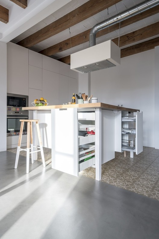 Alicia_Alcaide_-_Carders_05 Smart Configurations for Small Kitchens Architecture