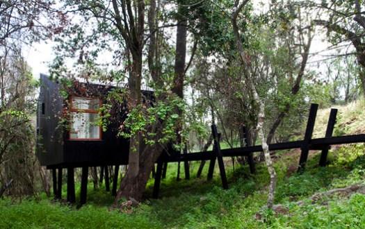 <a href='https://www.archdaily.com/484584/quebrada-house-unarquitectura'>Quebrada House / UNarquitectura</a>. Image © Natalia Vial