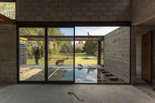 3 PRO.CRE.AR PERROUD House / AToT - Arquitectos Todo Terreno Architecture