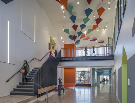 LWES_-_Interior_entry Lake Wilderness Elementary School / TCF Architecture Architecture
