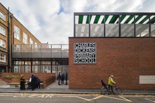 Charles Dickens School / Maccreanor Lavington. Image © Tim Crocker