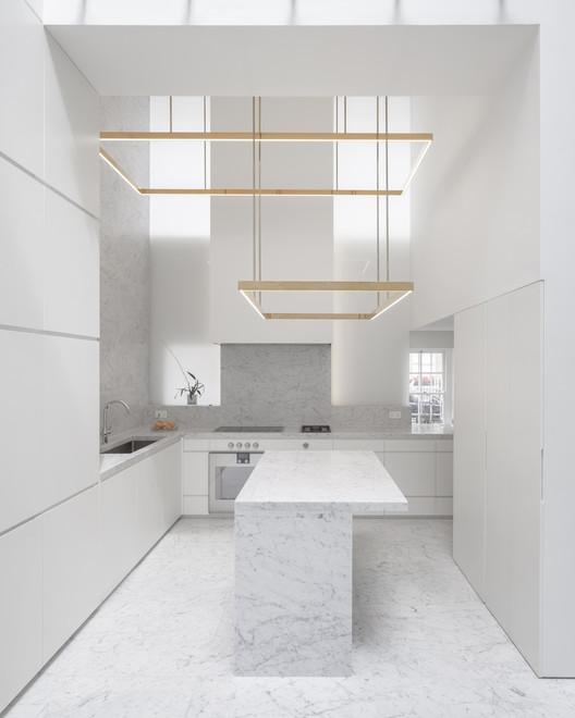 Fitzrovia_House_2770_Johan_Dehlin_PRESSIMAGE_1 93-Building Shortlist Announced for 2018 RIBA London Awards Architecture