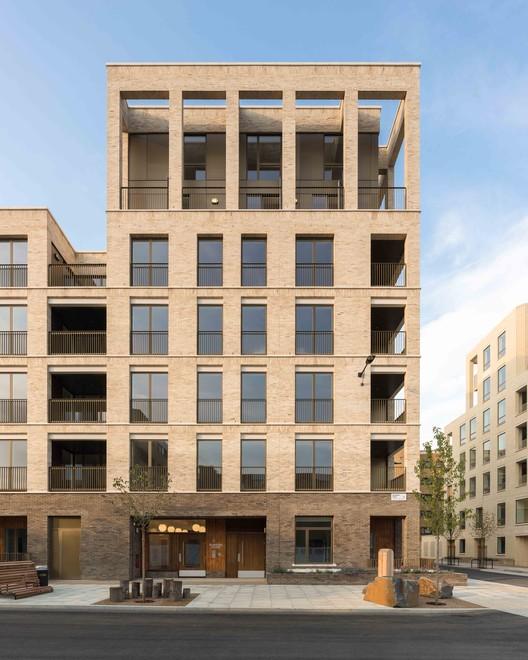Kings_Crescent_Estat_2578_Peter_Landers__PRESSIMAGE_5 93-Building Shortlist Announced for 2018 RIBA London Awards Architecture