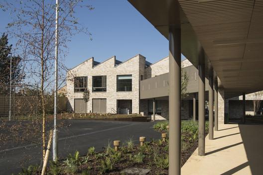 Kingsgate Primary Lower School / Maccreanor Lavington Architects. Image © Tim Crocker