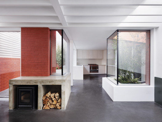 Red House / 31/44 Architects. Image © Rory Gardiner
